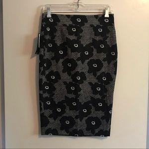 NWT black/white RW&Co. pencil skirt, size 0.